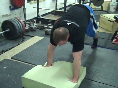How to Bench Press Tip Warm Up Thoroughly - Diesel Crew