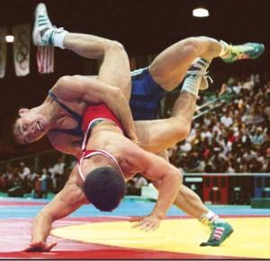 partner-assisted-bodyweight-training-wrestling