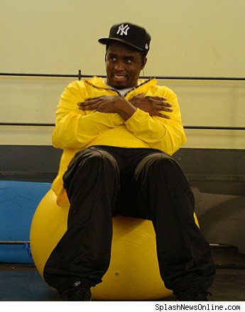 celebrity-puffy-combs-working-out