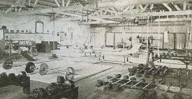 rope-climbing-in-old-gym