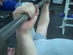 how-to-bench-keep-wrists-straight