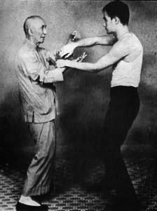 Bruce-Lee-flowing